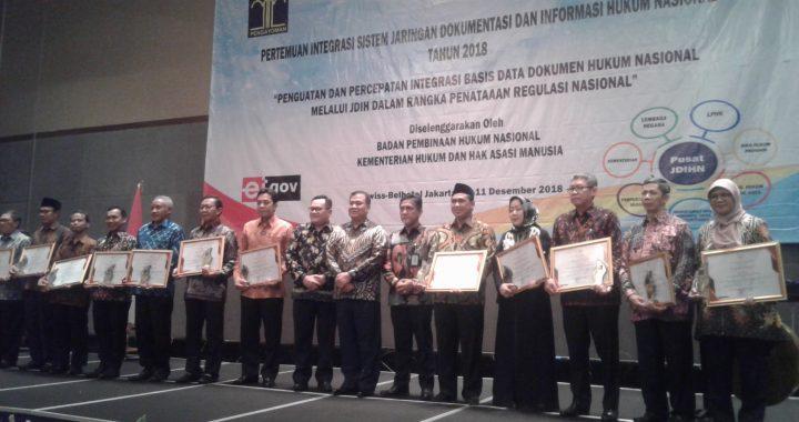 Kemenkumham Berikan Penghargaan Kepada 12 Anggota JDIH Terbaik
