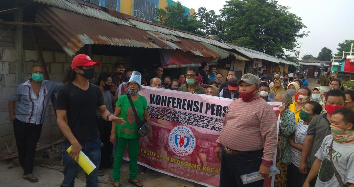 Pedagang Kaki Lima  Genteng Merah Pasar Rebo Resah Karena Di Intimidasi