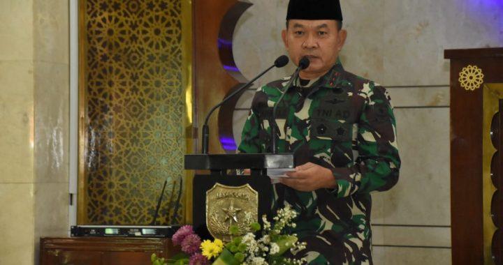 Pangdam Jaya Hadiri Peringatan Nuzulul  Qur'an Tahun 1442 H/2021 M Dilanjutkan Santunan Anak Yatim