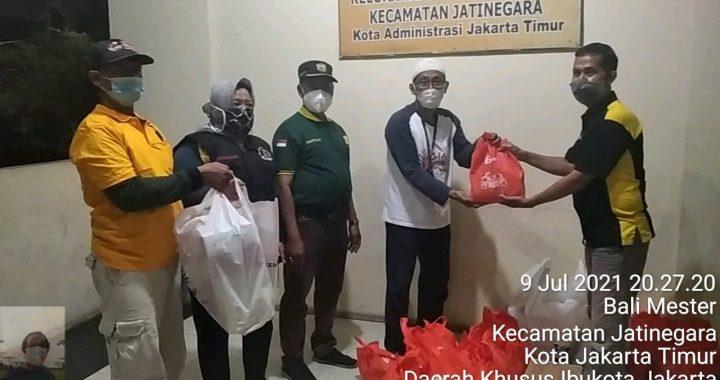 Kolaborasi Relawan Kesehatan (Rekan) Bersama Baqoel Membagikan 100 Paket Sembako